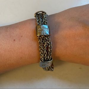 🛍3/$25 magnetic silver bracelet